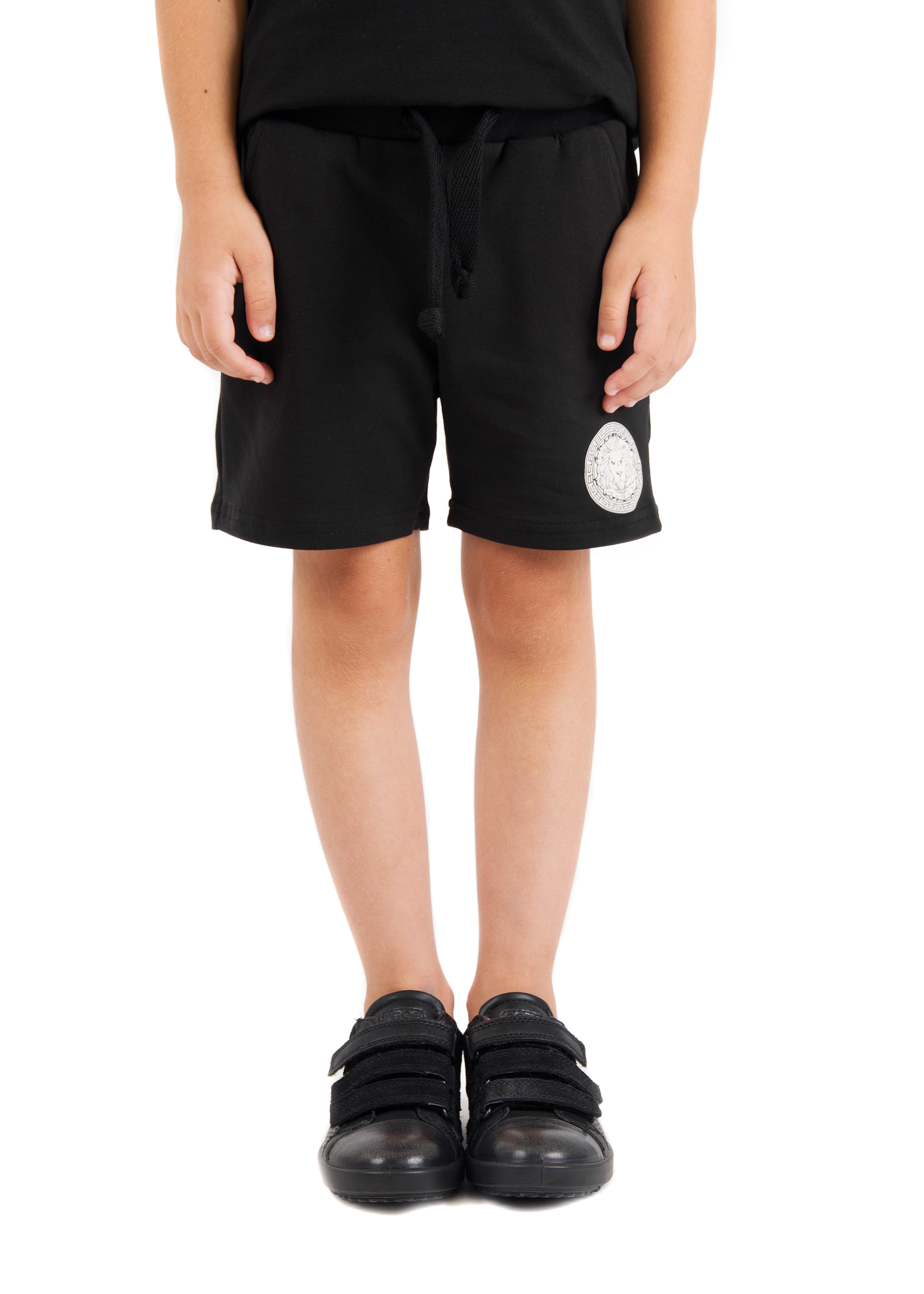 Kids shorts Logo Black StarKIDS<br>Kids shorts by Black Star Wear. Made out of 100% natural cotton tissue. Straight cut, pockets. Decorated with branded patch - lions head with Black Star symbols. Available in black and gray.<br><br>size: 1-2 years<br>color: Black<br>gender: unisex