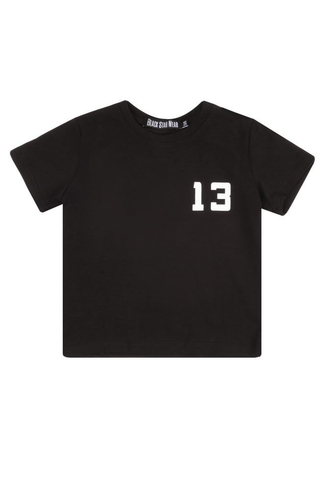 Kids t-shirt Black Star Family 13KIDS<br>Kids t-shirt by Black Star Wear. Big asiatic print Black Star Family on the back and 13 on the chest. Made out of natural cotton tissue. Avaliable in black.<br><br>size: 5-6 years<br>color: Black<br>gender: unisex