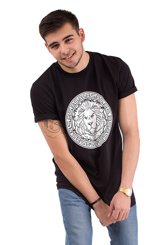 Unisex T-shirt Logo Black StarUndershirts and T-shirts<br>Black Star Wear T-shirt with a massive lions head print on the chest with BS Greek pattern. Lion symbolizes the main concept of the brand - the great power and victory. Straight fit, classic sleeves and loose neck. Made out of high-quality cotton tissue to grant you the ultimate comfort during your all day activities. Perfect choice for everyday outfit. Black Star Wear garments are the clothes that look as good as you feel.<br><br>size: XS<br>color: Black<br>gender: unisex